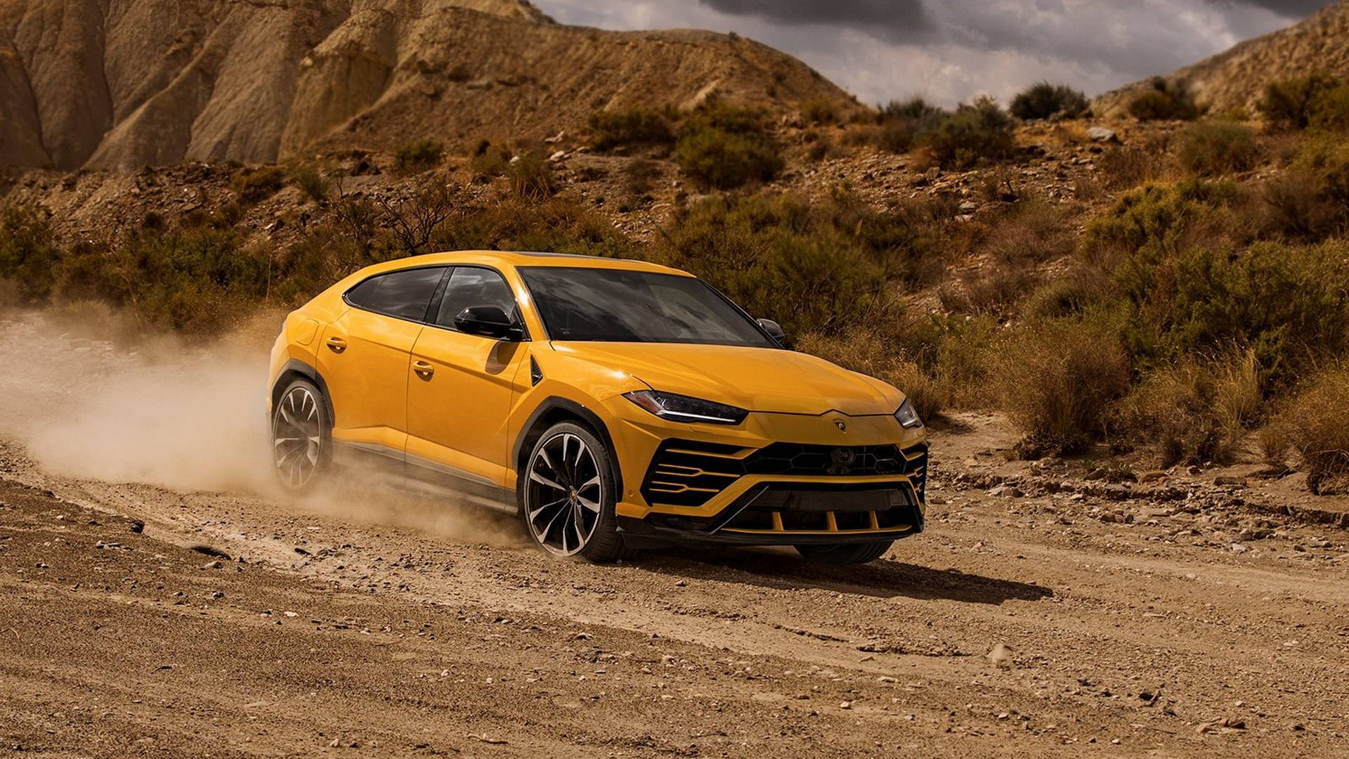 Lamborghini Urus Off Road Washing Packages Detailed On Video
