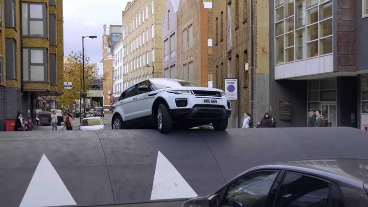 Range Rover Evoque pub