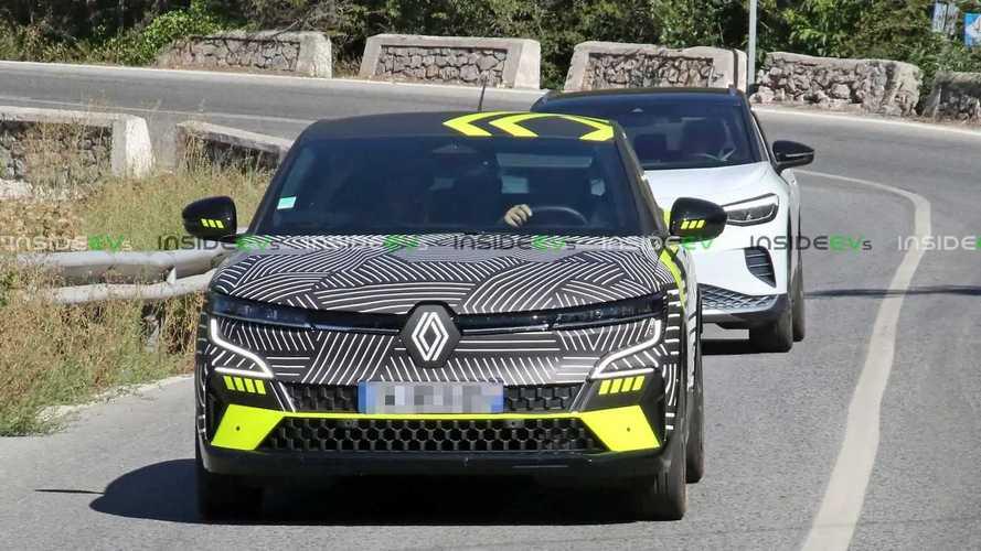 Renault Megane E-Tech Electric casus fotoğraflar