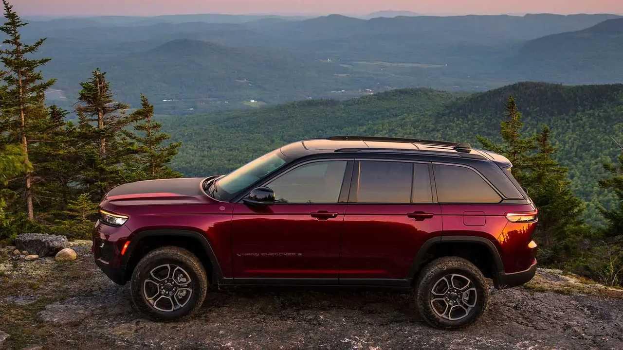 2022 Jeep Grand Cherokee.