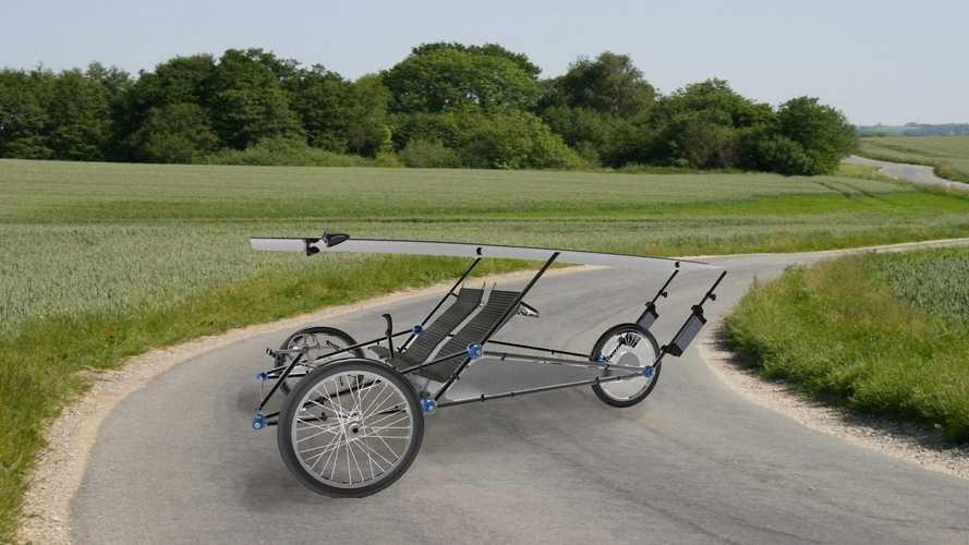 Lo strano triciclo a pannelli solari dall'autonomia infinita