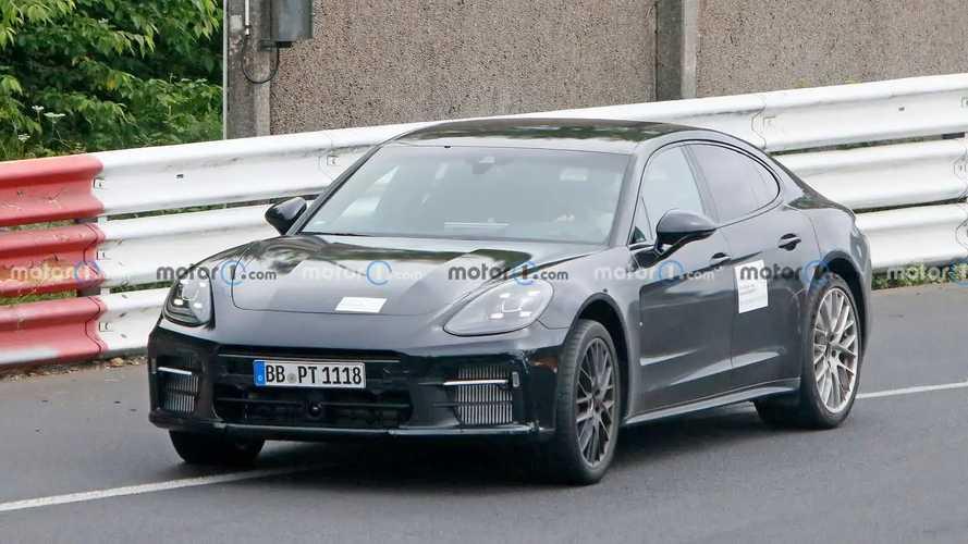 Porsche Panamera Turbo GT, le foto spia della super ammiraglia