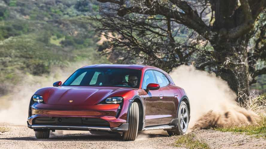 Porsche Masuki Dunia NFT, Lelang Sketsa Desain Taycan dan 911