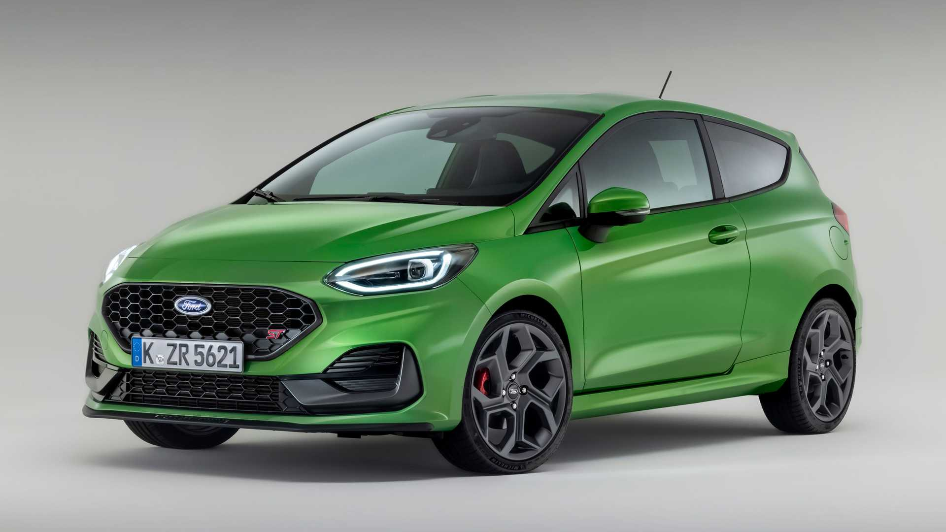 2022 Ford Fiesta Facelift Debuts Matrix LED Headlights, Extra Torque For ST