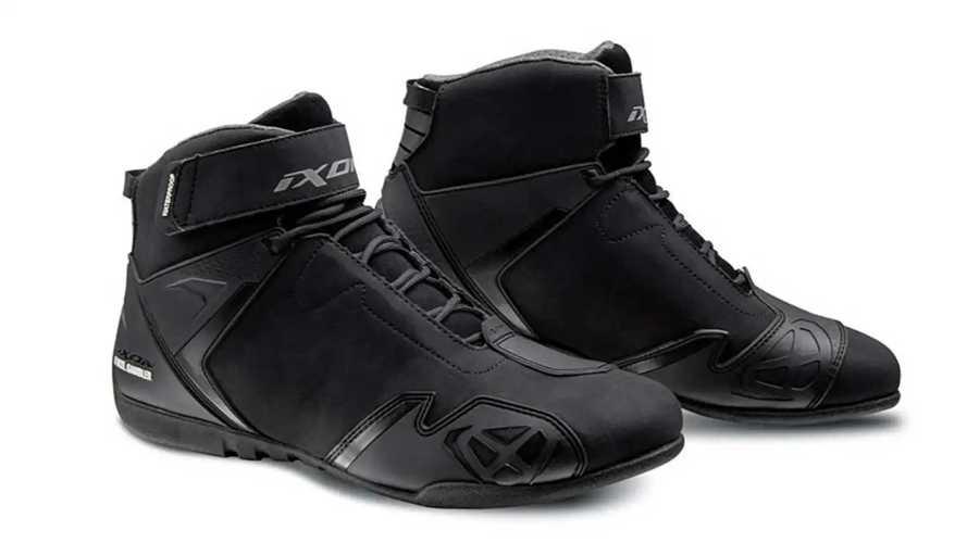 Ixon Launches New Gambler Motorcycle Shoes