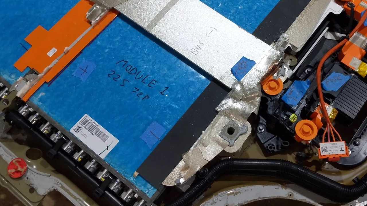Tesla Model S Plaid: Video von Ingineerix erklärt Batterie des