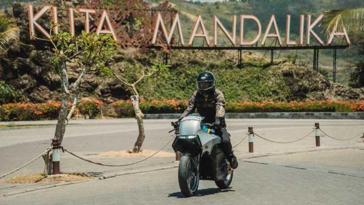 Sepeda motor listrik BL-SEV01 buatan mahasiswa Universitas Budi Luhur.