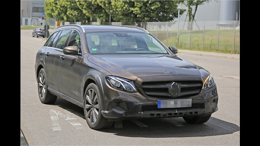 "Erlkönig der Mercedes E-Klasse als ""All Terrain""-Version"