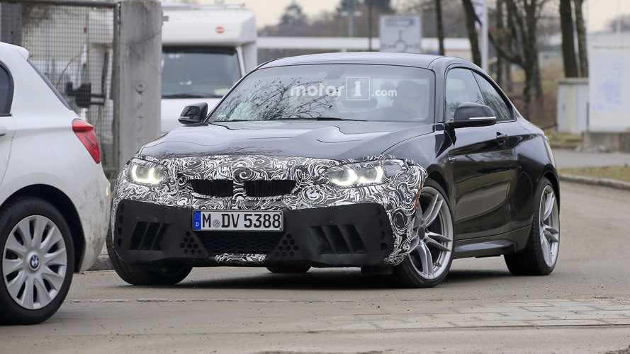 Makyajlı 2018 BMW M2 casus fotoğrafları