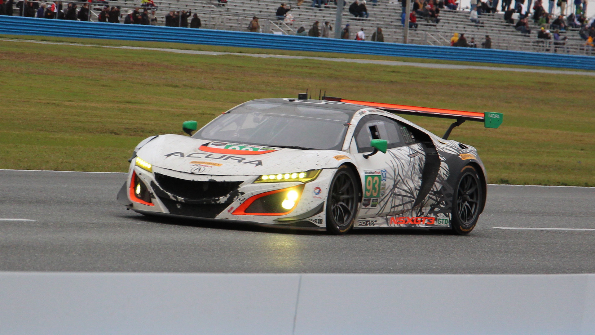race car for the road: acura nsx and gt3 sideside