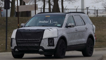 2019 Ford Explorer with production body spy photos