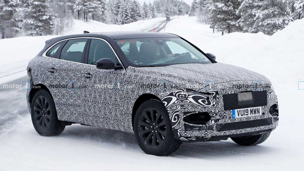 New Jaguar F-Pace Spied Playing In The Snow - Motor1