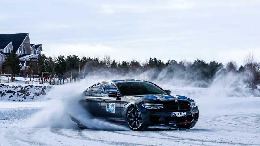 Borusan Otomotiv Motorsport (BOM) kar ve buz sürüş etkinliği düzenledi