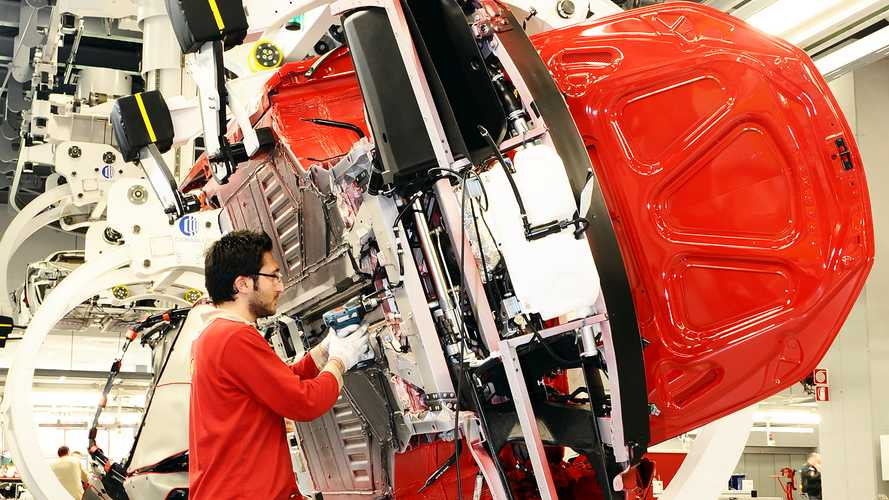 Coronavirus: la fabbrica Ferrari rimane aperta