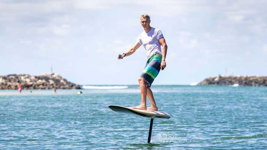 Fliteboard: Cooles Surfbrett mit Elektro-Antrieb