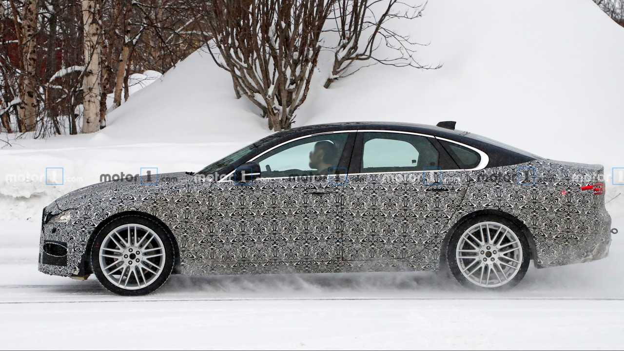 2021 jaguar xf facelift spy photo