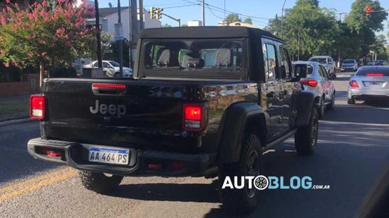 Jeep Gladiator - Flagra na Argentina