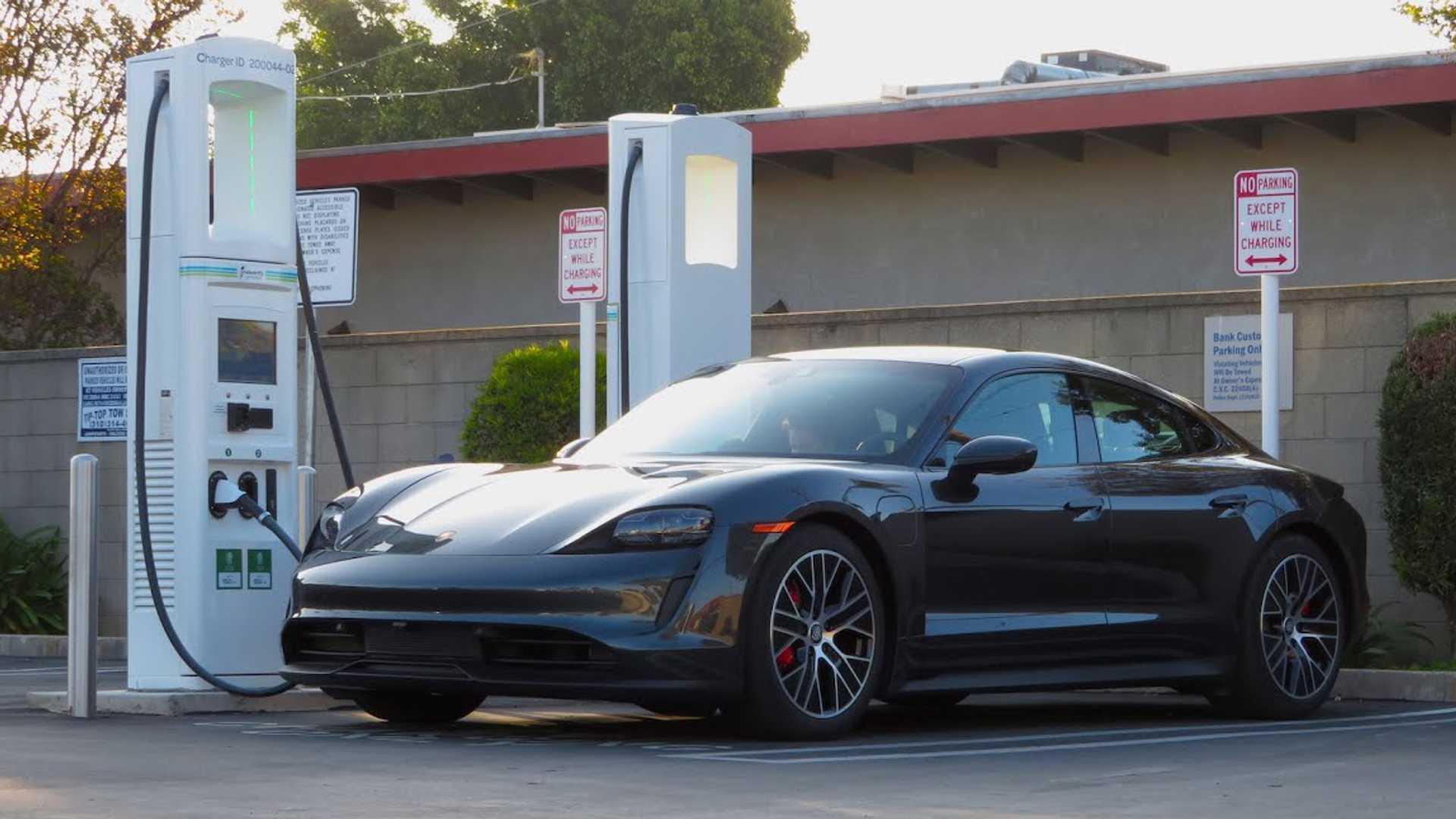 Porsche Taycan 4s Blows Away Epa Range By 40 Percent In This Test