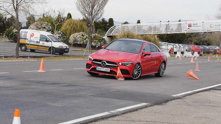Novo Mercedes-Benz CLA decepciona no teste do alce