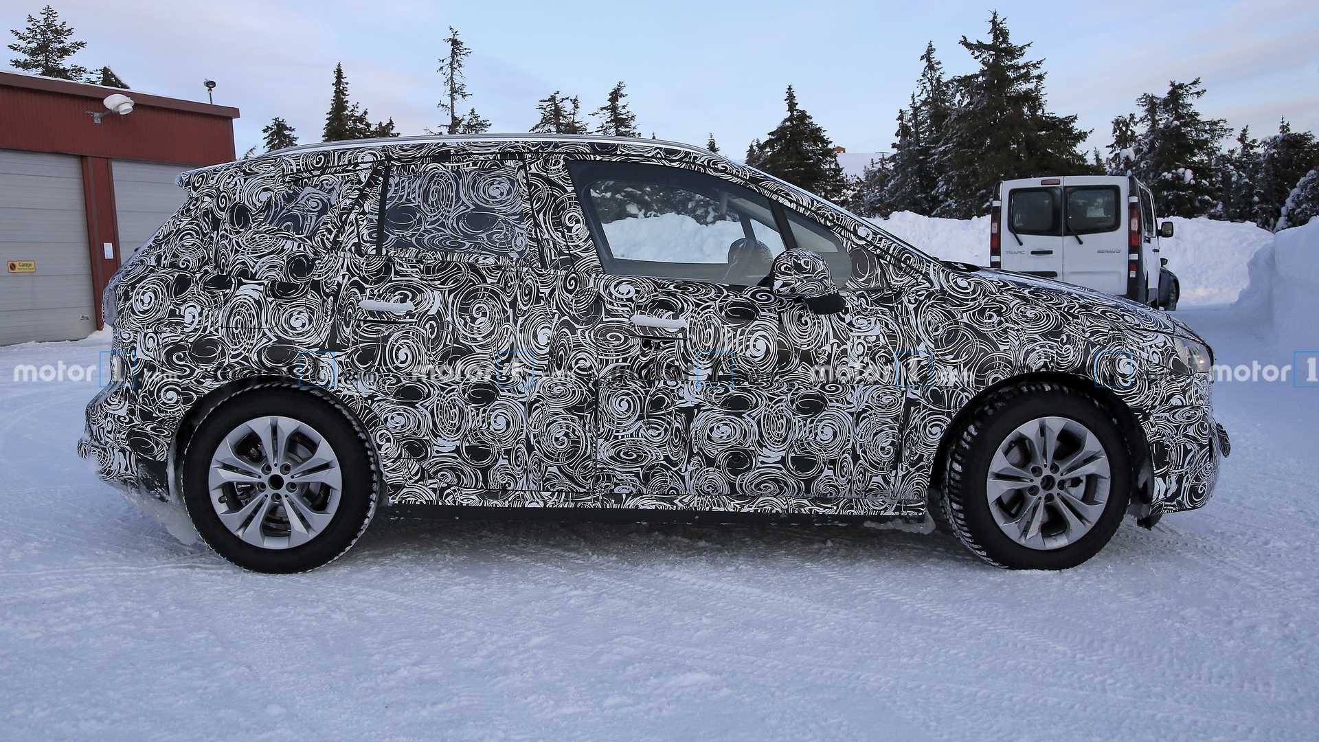 2021 - [BMW] Série 2 Active Tourer II - Page 2 2021-bmw-2-series-active-tourer-spy-photo