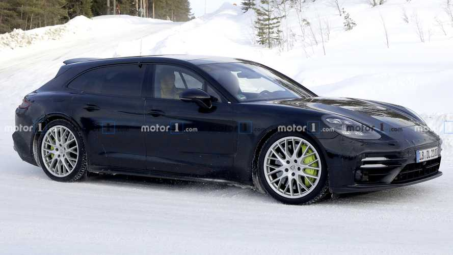 Refreshed Porsche Panamera Sport Turismo spied showing design tweaks