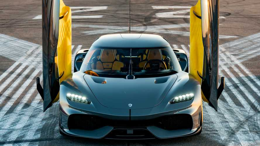 Supercar Blondie Gets All Up In The Koenigsegg Gemera's Business