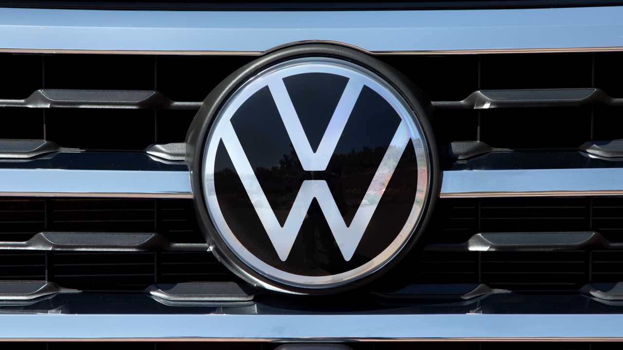 Here's What The New Volkswagen Logo Looks Like On An Atlas Grille
