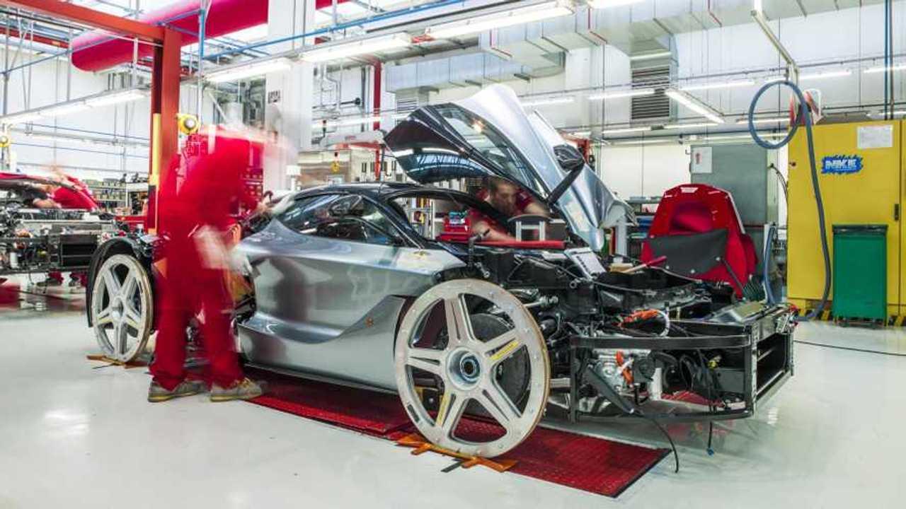 Copertina FCA e Ferrari fanno respiratori