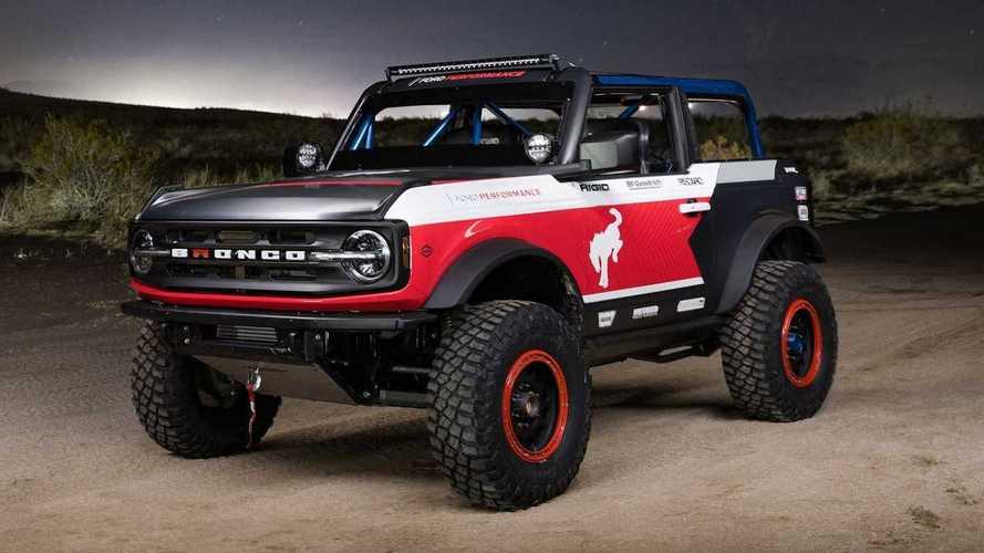 Ford Bronco 4600 Race Truck, pronto a conquistare il deserto