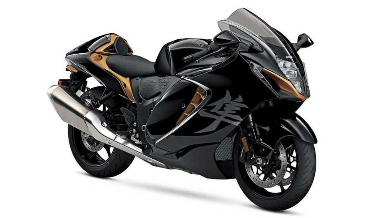 2022 Suzuki Hayabusa, Studio, Siyah ve Turuncu, 3/4 Ön taraf, Sağ