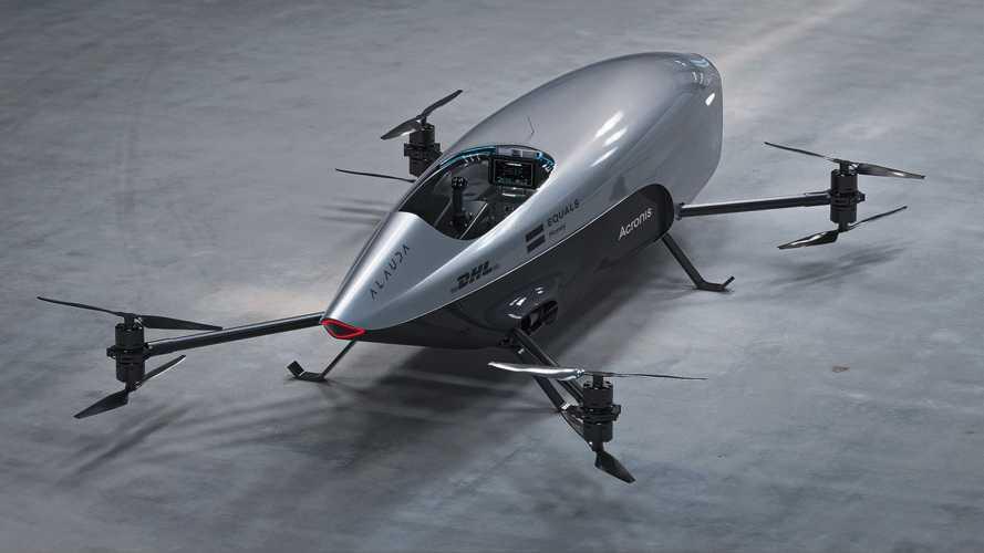 La prima auto volante da corsa al mondo è elettrica e va a 120 km/h
