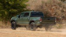 2020 Toyota Tacoma TRD Pro: Comparison