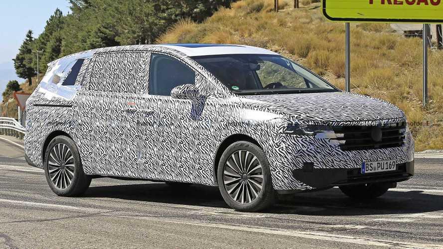 VW Viloran Spy Shots Show New MPV For China