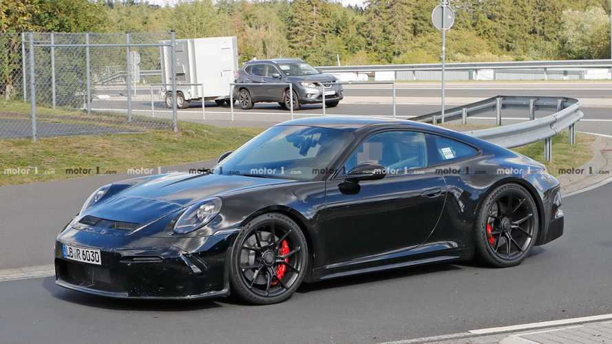 Porsche 911 GT3 Touring spy shots