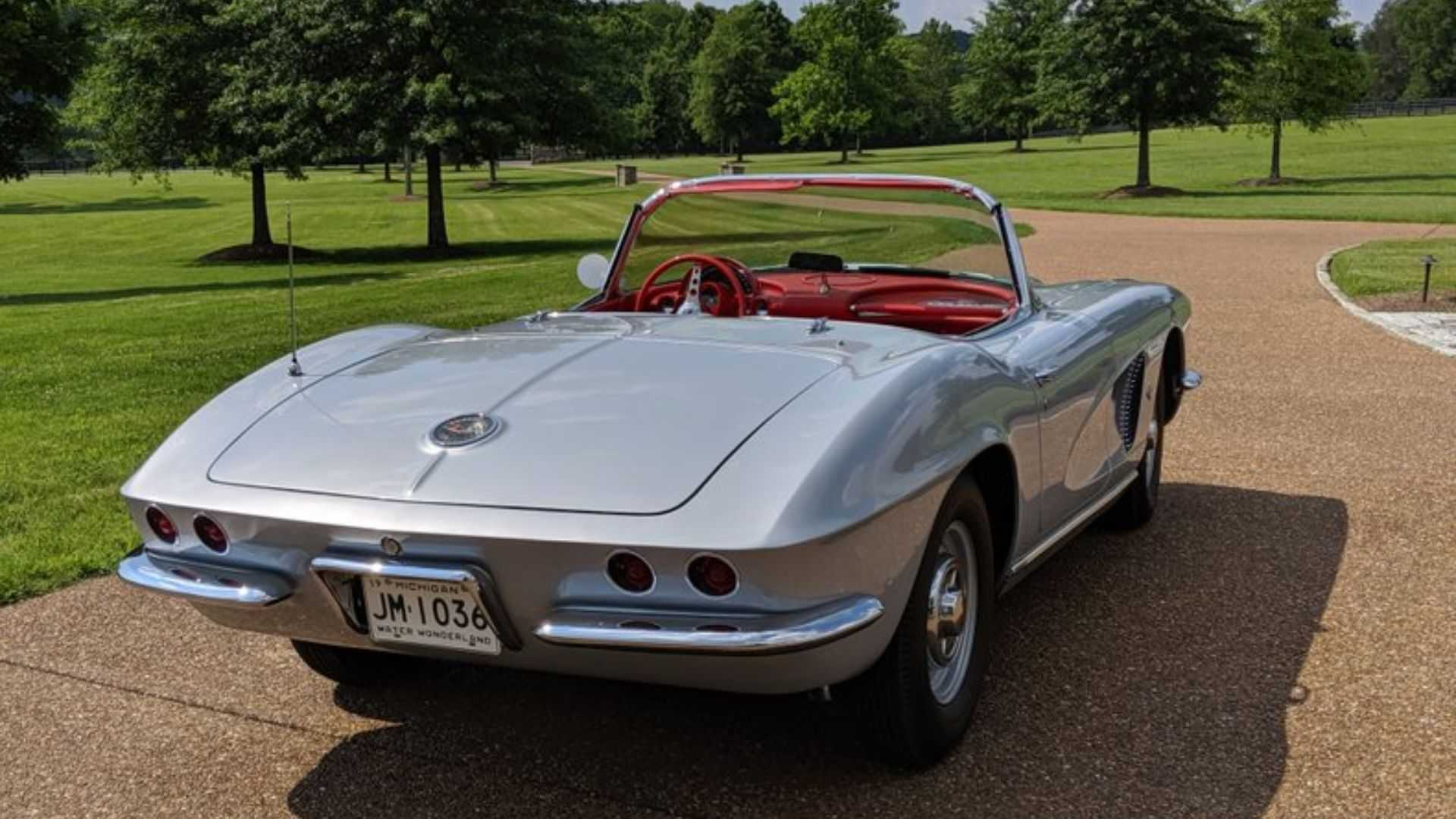 "[""1962 Chevy Corvette Convertible Selling At No Reserve""]"