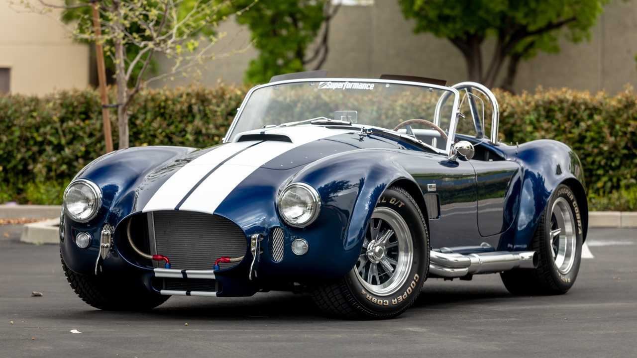 Shelby Cobra 427 Used In \'Ford V Ferrari\' Filming
