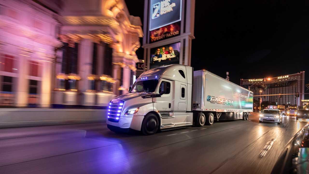 Mercedes, camion e bus