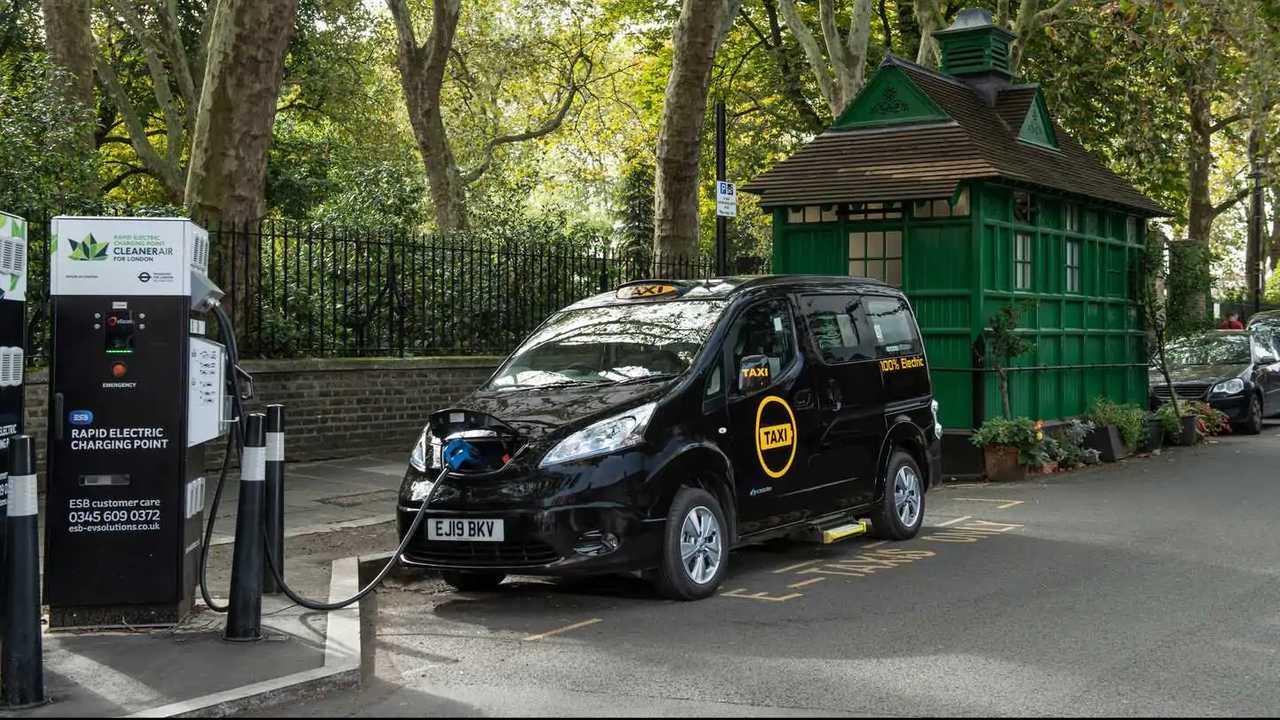 Dynamo all-electric London taxi