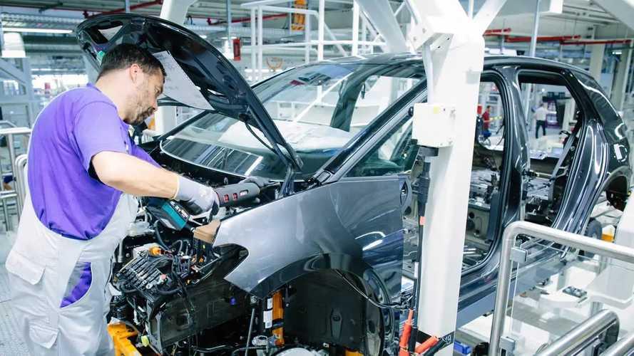 Szép lassan a Volkswagen zwickaui gyárába is visszatér az élet