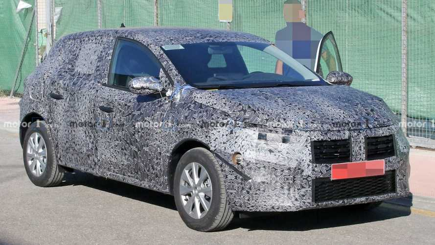 Nuova Dacia Sandero, le prime foto spia