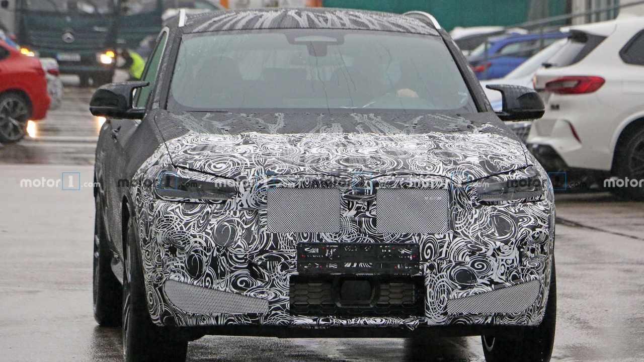 2022 BMW X4 M Spy Photo Front