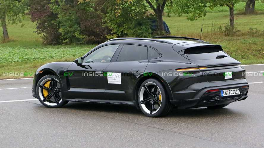 Here's the production 2021 Porsche Taycan Cross Turismo with no camouflage