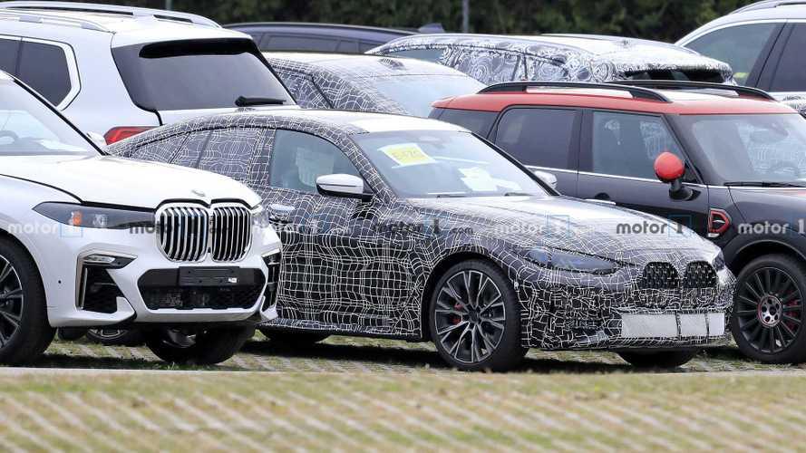 BMW 4 Serisi Gran Coupe, keskin bakışları ile kameralara takıldı