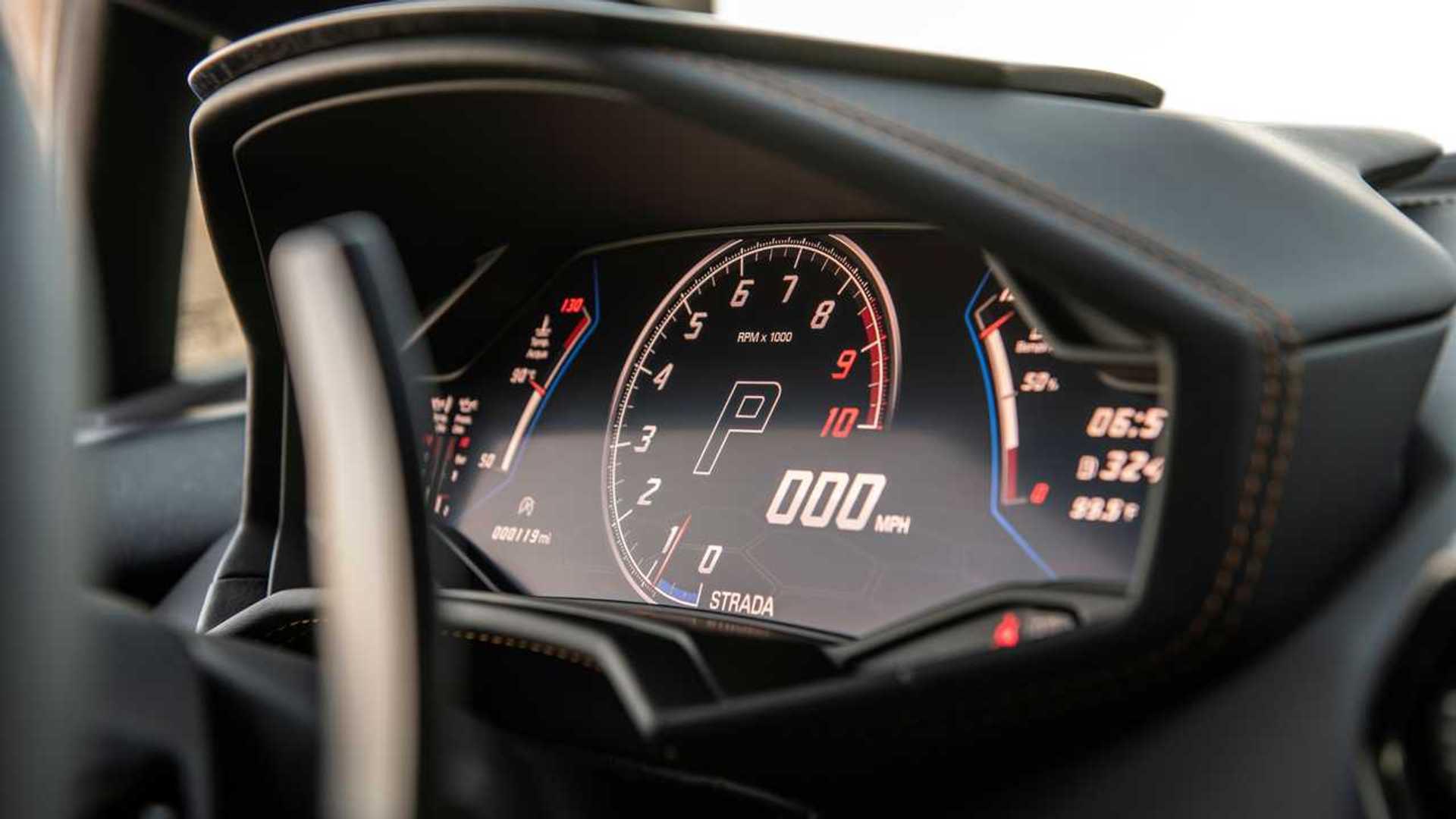2020 Lamborghini Huracan Evo RWD gauges
