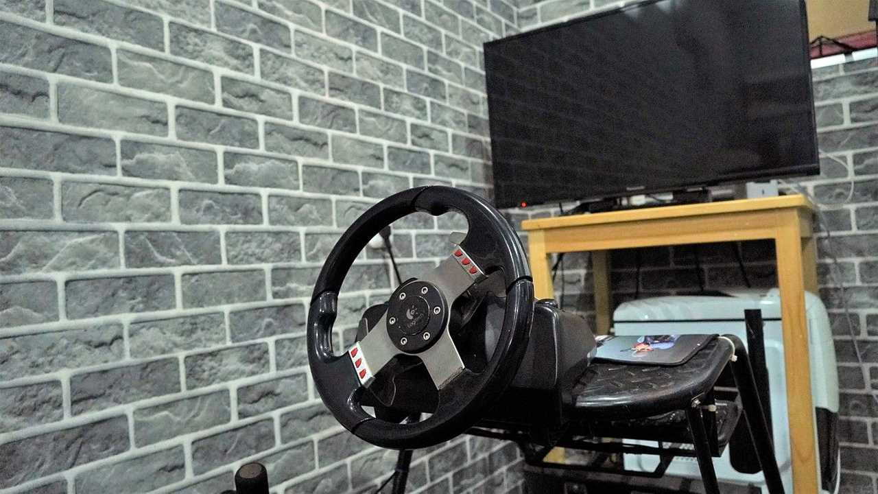 Simulator Edutown Arena Orange Racing School