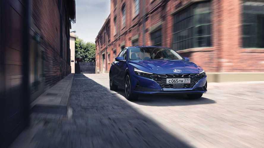 В новом поколении Hyundai Elantra подорожала почти на 100 тысяч