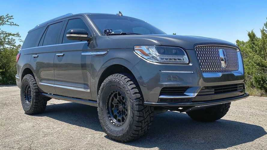 Someone Turned A Lincoln Navigator Into A Luxury Off-Road Rig