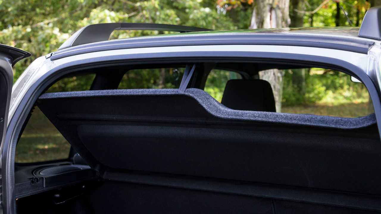 Lada Niva Off-road (2020) – полка багажника
