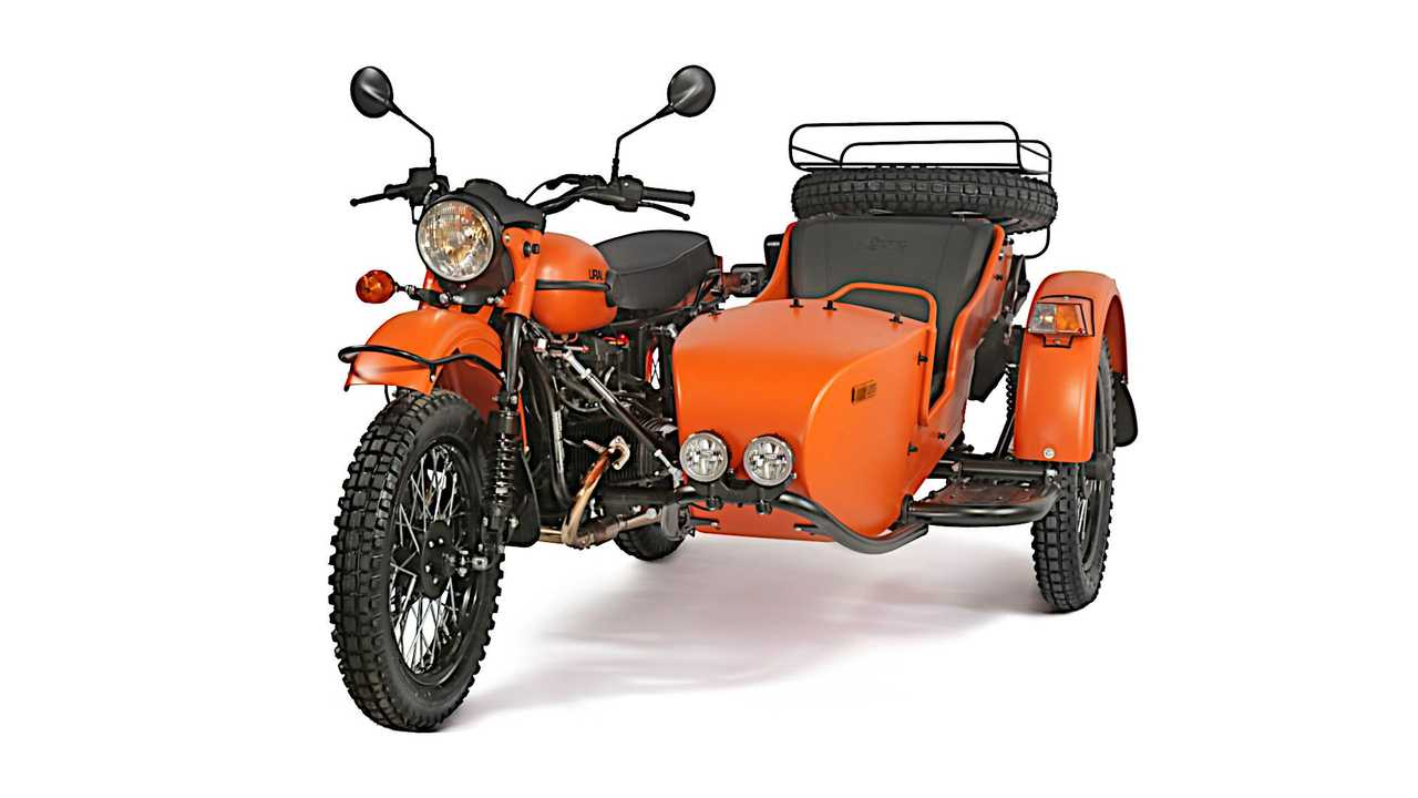 Ural Gear Up 2WD - Right-Hand Drive Countries - Front Studio