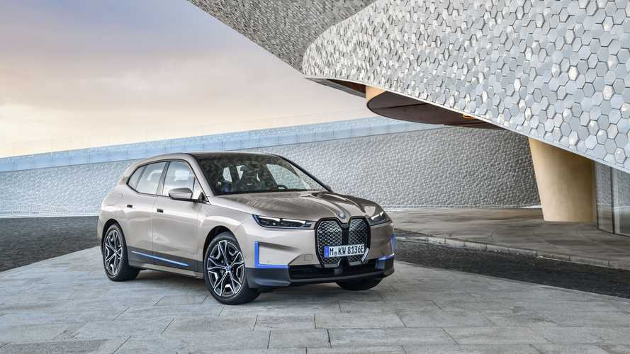 More Affordable BMW iX xDrive40 Has 296 HP, Smaller Battery, Slower Charging